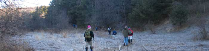 Frosty start to early spring hike on M18 - Photo: R. Hopkins